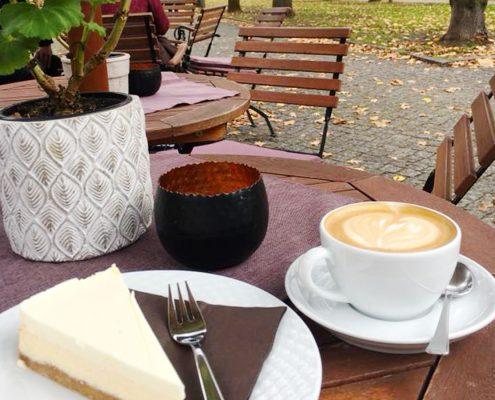 Sommerlust Cheesecake und Cappuccino